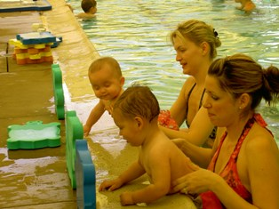 baby-and-floating-pics-0192