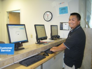 Floor Manager Kong demonstrates how to use our self scheduling stations